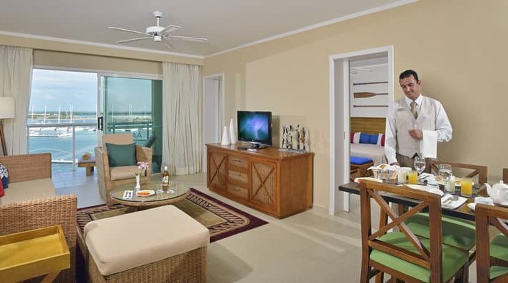 GRAND SUITE THE LEVEL MARINA VIEW