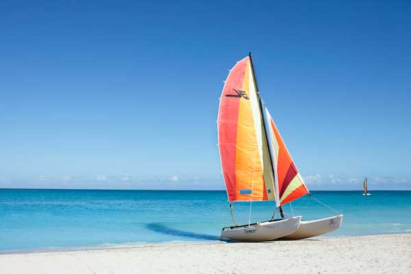 BEACH-AND-CATAMARAN-