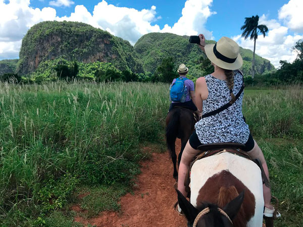 horseback-tour-in-the1